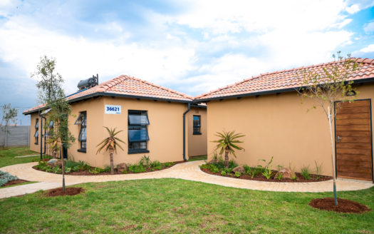 Elephant Eye, Homes for Sale in Protea Glen, Gauteng - Exterior Simplex