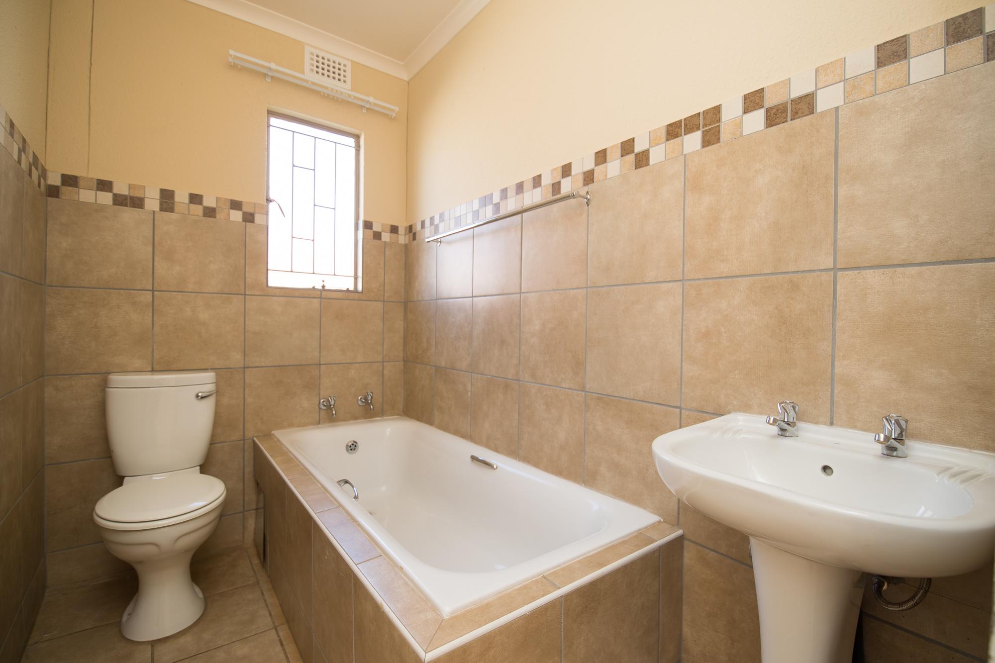 Leopard's Rest, Homes for Sale in Alberton, Gauteng - Bathroom