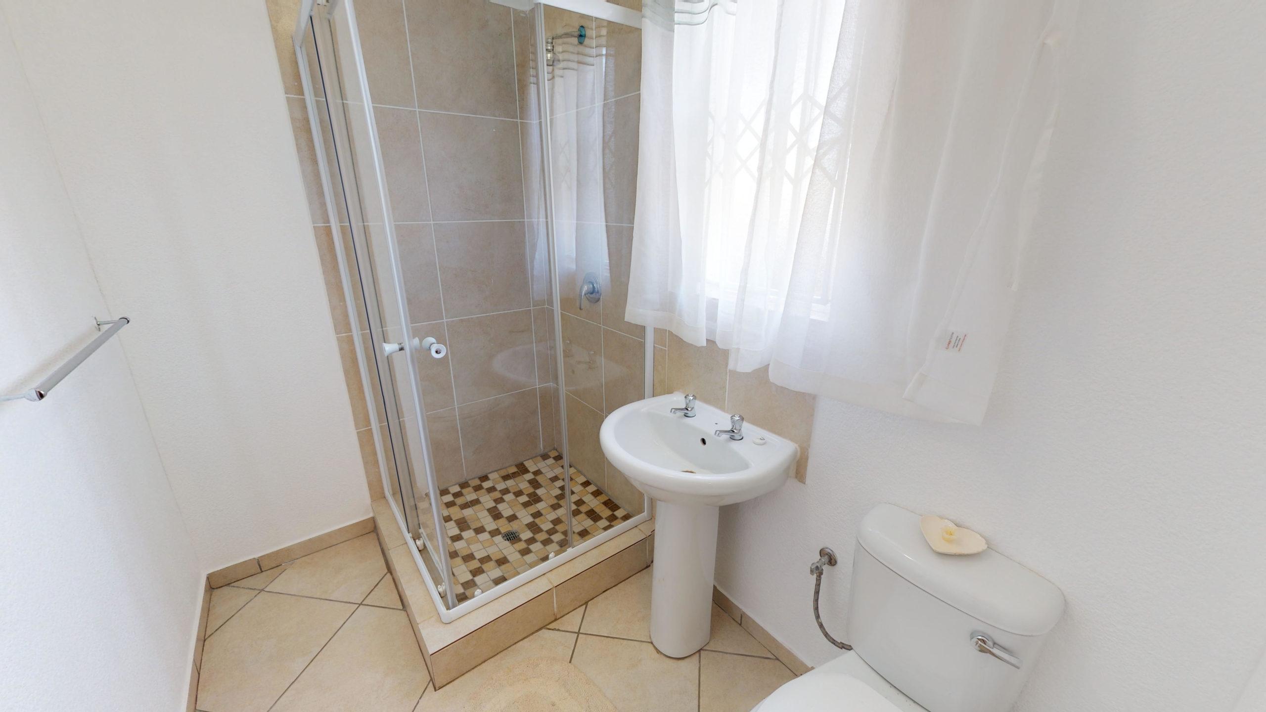 Palm Springs, Homes for Sale in Stretford, Gauteng - Bathroom