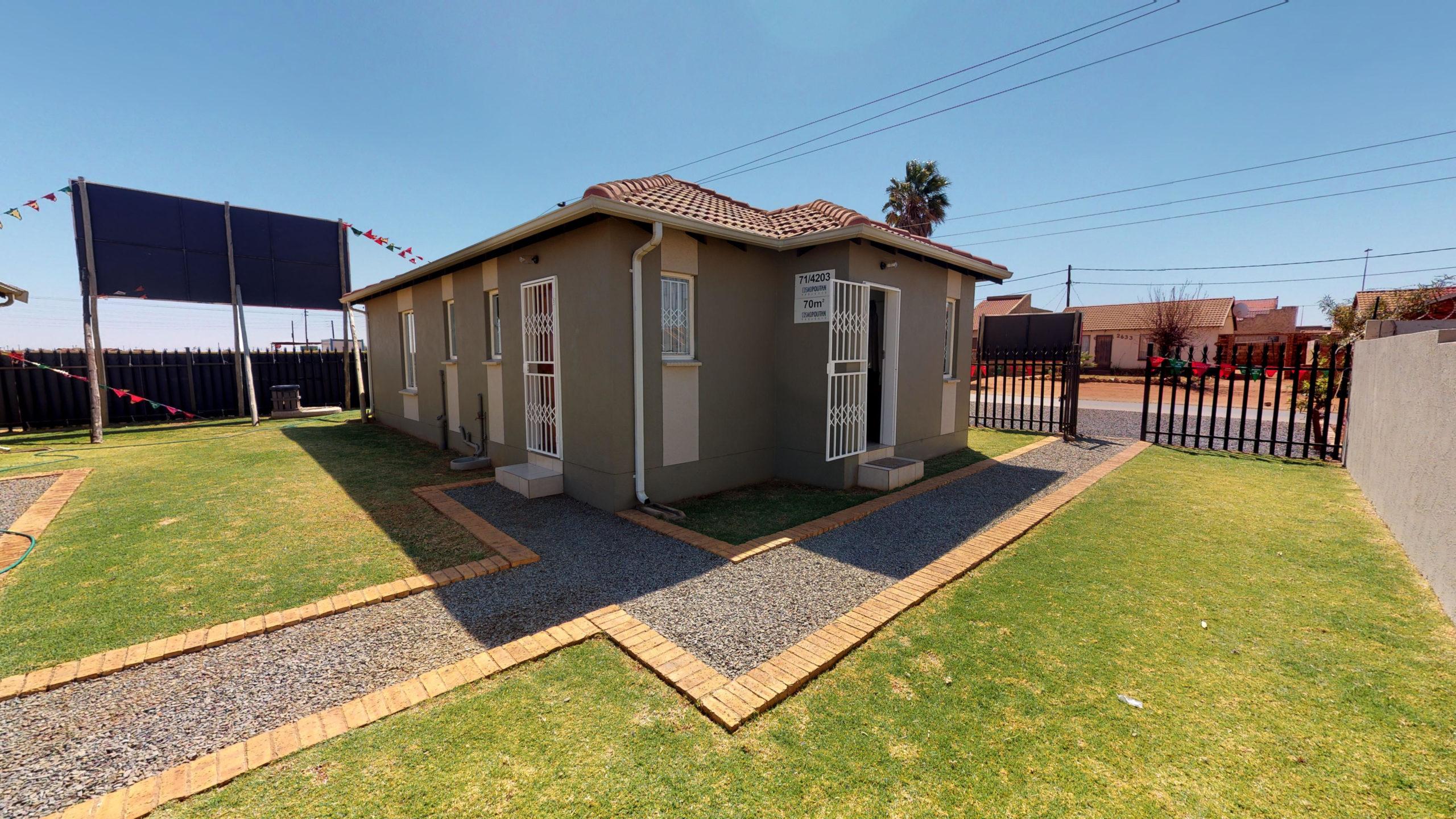 Palm Springs, Homes for Sale in Stretford, Gauteng - Exterior, Simplex