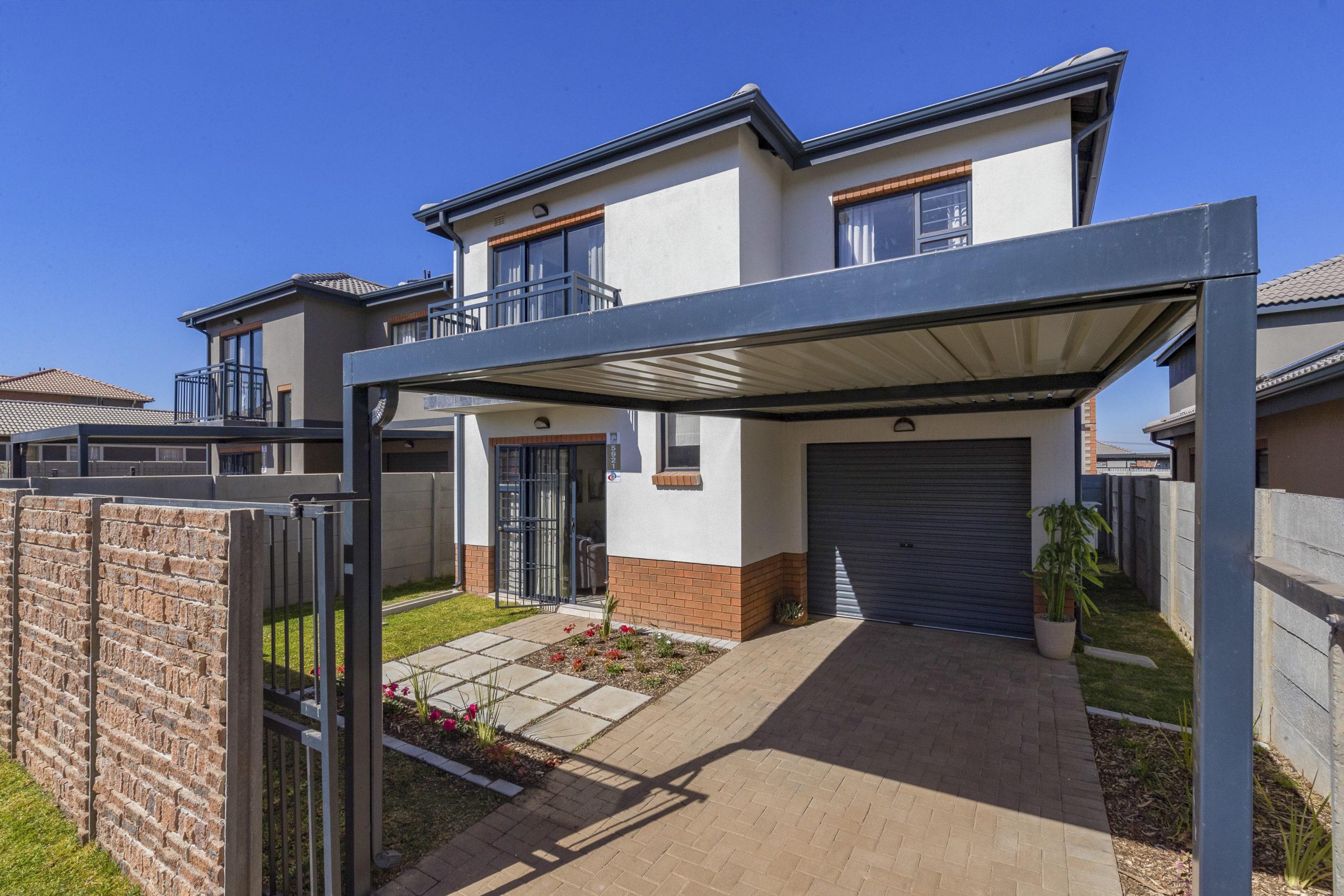 Leopard's Rest, Homes for Sale in Alberton, Gauteng - Exterior Duplex
