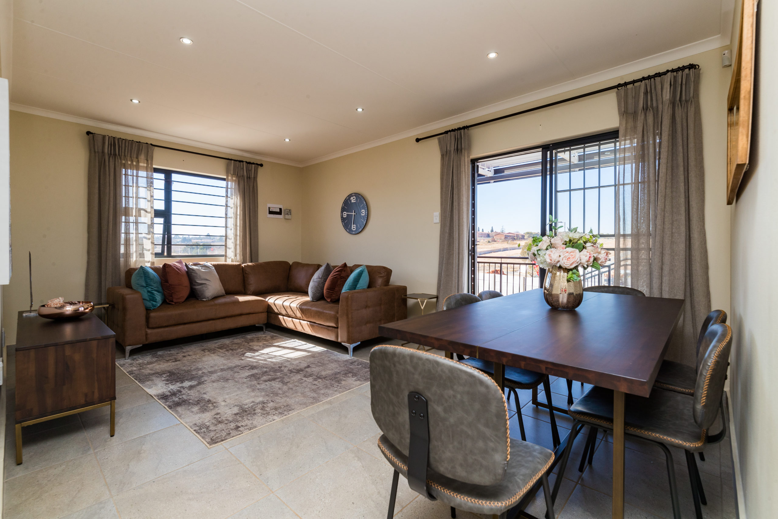 Royal Cradle, Homes for Sale in Mindalore, Gauteng - Lounge and Dining Area