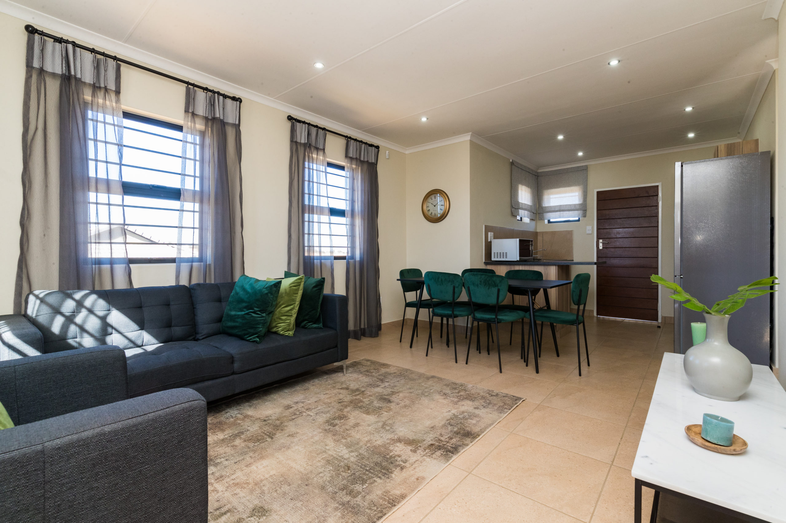 Royal Cradle, Homes for Sale in Mindalore, Gauteng - Lounge, Dining and Kitchen