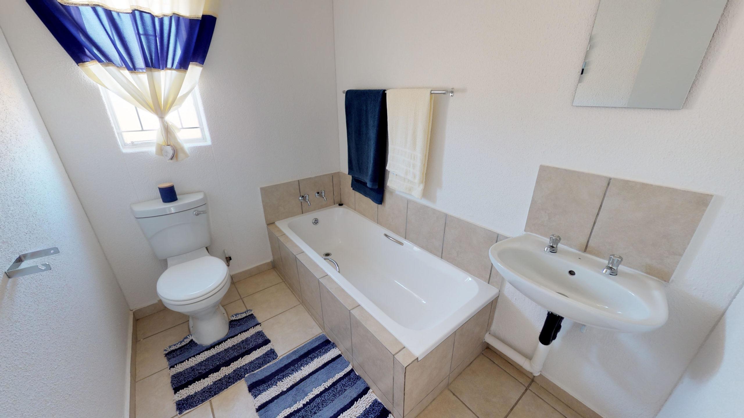 Savanna City, Homes for Sale in Walkersville, Gauteng - Bathroom