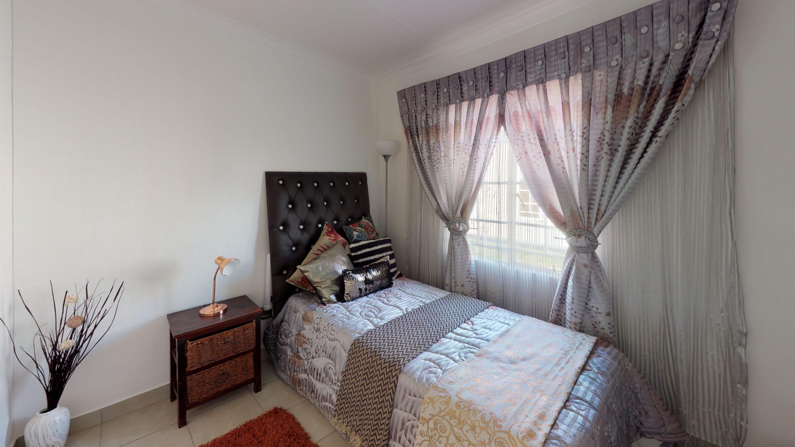 Windmill Park, Homes for Sale in Vosloorus, Gauteng - Bedroom
